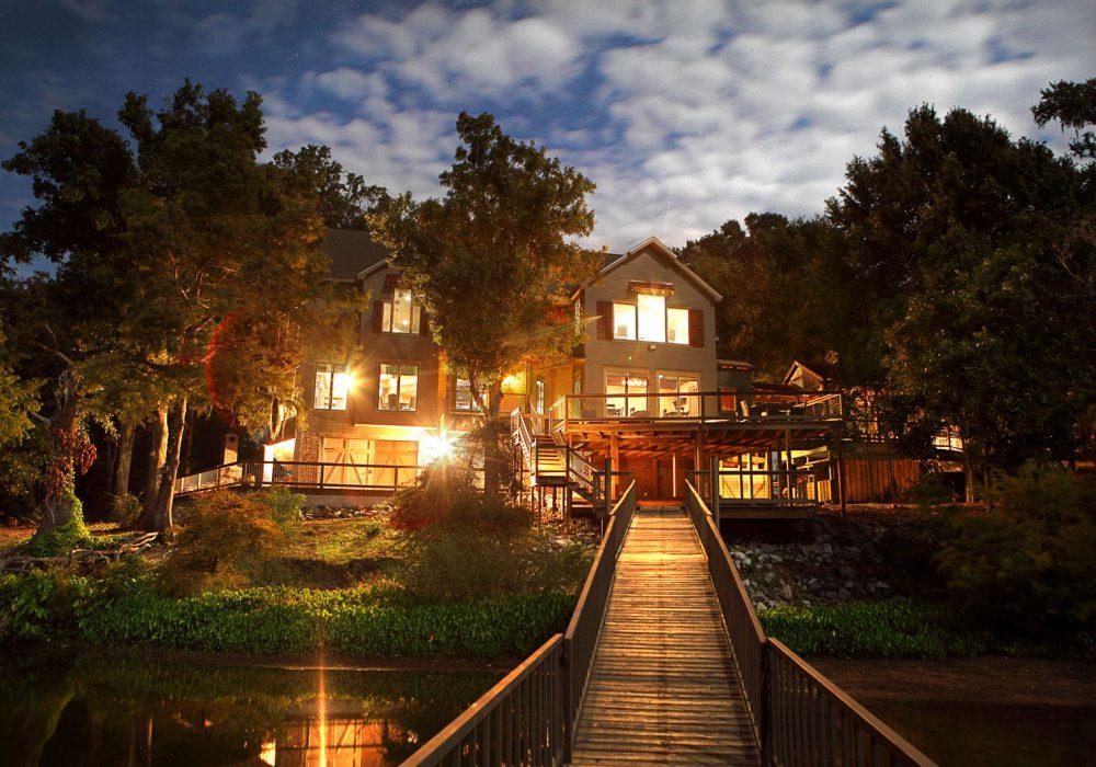 HOney-Brake-lodge from boathouse